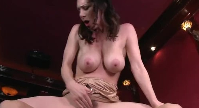 Sloppy mummy Rayveness jerks..
